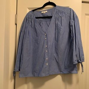 Madewell adorable button up 💙💙